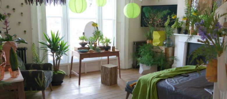 These 5 Plants For Your Bedroom Will Help You Sleep Better