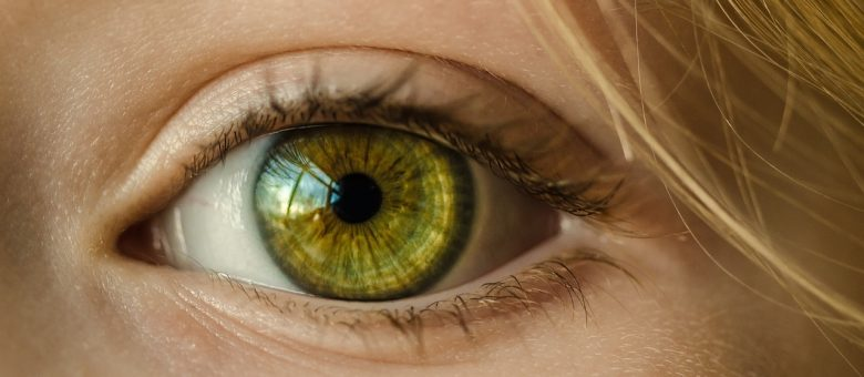 15 Foods That Worsen Age-Related Macular Degeneration